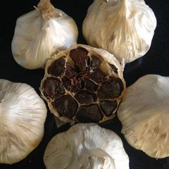 blackgarlic1.jpg